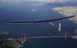 Solar Impulse 2 hoàn thành hành trình lịch sử