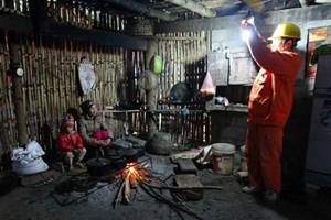 Sớm đưa điện lưới về các thôn, bản đặc biệt khó khăn
