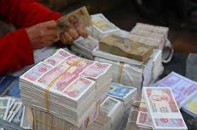 Sử dụng tiền lẻ tại khu di tích, đền chùa: Giảm dần thói quen