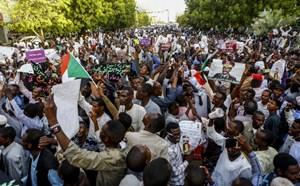 Sudan: Nổ súng làm chết người biểu tình