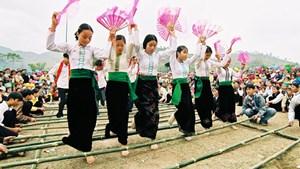 Sưu tầm di sản văn hóa truyền thống điển hình các dân tộc thiểu số