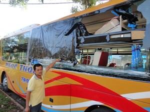 Tái diễn tình trạng ném đá xe khách ở Đắk Lắk, tạm giữ 3 thiếu niên
