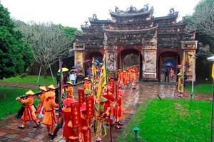 Tái hiện nghi lễ dựng nêu ở Hoàng cung Huế