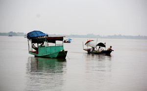 Tai nạn đường thủy làm cả gia đình chết đuối và mất tích