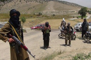 Taliban tấn công căn cứ quân sự Afghanistan, gần 30 binh sĩ thiệt mạng