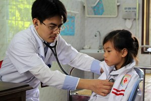Tầm soát và điều trị bệnh tim miễn phí cho trẻ nghèo
