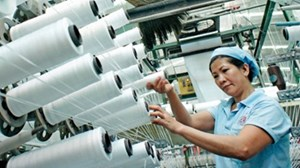 Tăng lương tối thiểu vùng 2018: Doanh nghiệp bức xúc cũng phải tăng