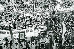 Tạo sức mạnh đại đoàn kết dân tộc bằng lòng yêu nước chân thành