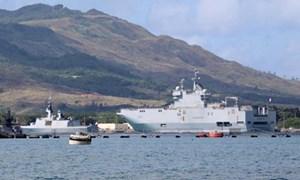 Tàu đổ bộ Pháp mắc cạn, tập trận 4 nước bị hoãn