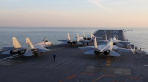Tàu sân bay Trung Quốc tập trận trên Thái Bình Dương