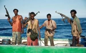 Tàu thương mại Ấn Độ bị cướp biển Somalia tấn công