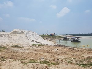 Tây Ninh giám sát hoạt động khai thác cát trong lòng hồ Dầu Tiếng