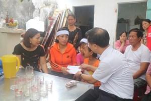 MTTQ Nghệ An thăm hỏi, hỗ trợ các ngư dân gặp nạn