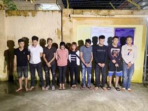 Thanh Hoá: Bắt quả tang 9 đối tượng sử dụng ma tuý đá
