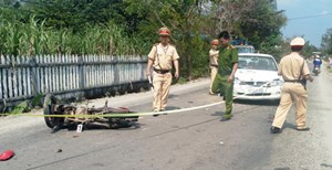 Thanh niên bị thương nặng vì tông trực diện ô tô