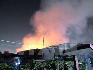 Thành phố Hồ Chí Minh: Xưởng may cháy lớn nhiều giờ trong đêm