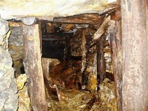 'Thế giới ngầm' ở mỏ vàng Bồng Miêu
