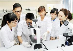 Theo kịp sự phát triển của khoa học - công nghệ
