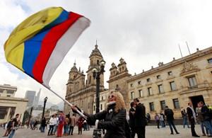 Thỏa thuận lịch sử chấm dứt cuộc chiến kéo dài 52 năm ở Colombia