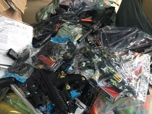 Thu giữ số lượng lớn súng nhựa, đồ chơi trẻ em nguy hiểm