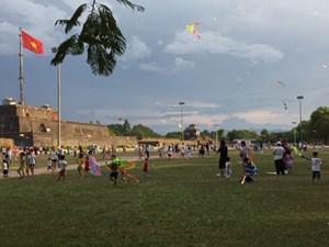 Thừa Thiên - Huế: Một chiều hè tại lễ hội Diều ở quảng trường Ngọ Môn