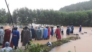 Thừa Thiên - Huế: Một nam thanh niên bị nước lũ cuốn mất tích
