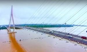 Thuê xe taxi chở lên cầu Cần Thơ tự tử