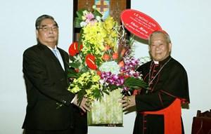Thường trực Ban Bí thư Lê Hồng Anh chúc mừng lễ Giáng sinh
