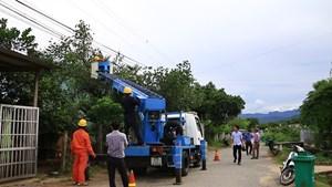 Tích cực khắc phục sự cố phục vụ điện cho các huyện miền núi