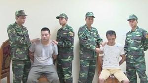 Tiếp nhận hai đối tượng truy nã đặc biệt tại cửa khẩu Quốc tế Hữu Nghị, Lạng Sơn