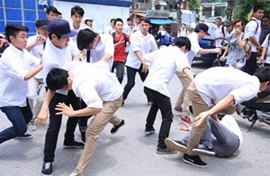 Tìm giải pháp ngăn chặn bạo lực học đường