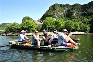 Tìm hướng đi chuyên nghiệp cho du lịch Việt Nam