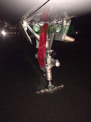 Tìm thấy một bánh máy bay, đóng cửa sân bay điều tra sự cố hạ cánh