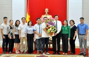 Tỉnh Quảng Ninh khen ngợi quán quân Đường lên đỉnh Olympia lần thứ 18