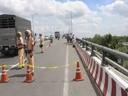 Bến Tre: Tai nạn giao thông nghiêm trọng, 5 người thương vong