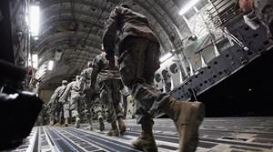 Tổng thống Trump dọa can thiệp quân sự  vào Venezuela