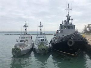 Tổng thống Ukraine đề nghị NATO điều tàu tới biển Azov hỗ trợ