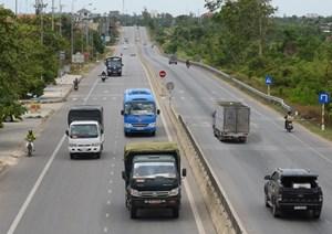 TP Hồ Chí Minh: Thanh tra giao thông xử lý hơn 1500 vụ xe chở quá tải