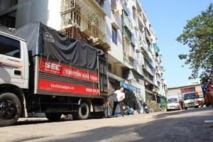 TP Hồ Chí Minh: Tháo dỡ chung cư nghiêng ở quận 1