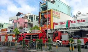 Cháy cửa hàng bán dụng cụ điện, 4 người tử vong