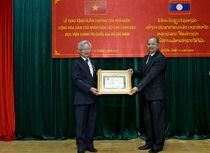 Trao tặng 43 Huân, Huy chương của Nhà nước Lào