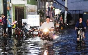 Triều cường tại TP Hồ Chí Minh vượt mức báo động 3