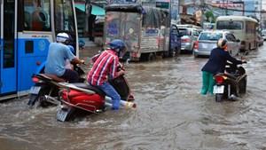 Triều cường TP Hồ Chí Minh dự báo vượt báo động 3