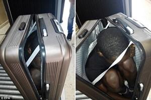 Trốn trong vali để vượt biên