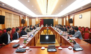 Trưởng Ban Kinh tế TW làm việc với Thường trực Tỉnh ủy Thừa Thiên - Huế