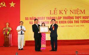 Trường THPT Nguyễn Duy Trinh đón Bằng khen của Thủ tướng