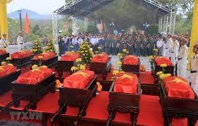 Truy điệu và an táng hài cốt liệt sĩ  quân tình nguyện Việt Nam hy sinh tại Lào và Campuchia