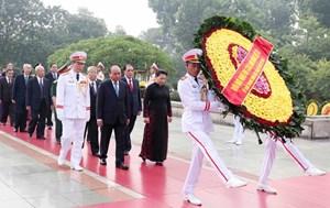 Lãnh đạo Đảng, Nhà nước, MTTQ Việt Nam dâng hương tưởng niệm các Anh hùng liệt sĩ