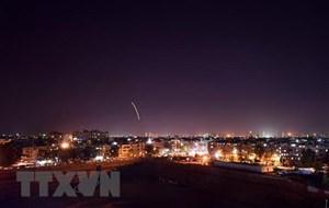 Israel không kích các mục tiêu quân sự xung quanh thủ đô của Syria
