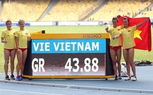 Tú Chinh cùng đồng đội giành HCV 4x100m nữ, phá kỷ lục SEA Games